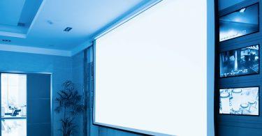 écran de projection motorisé
