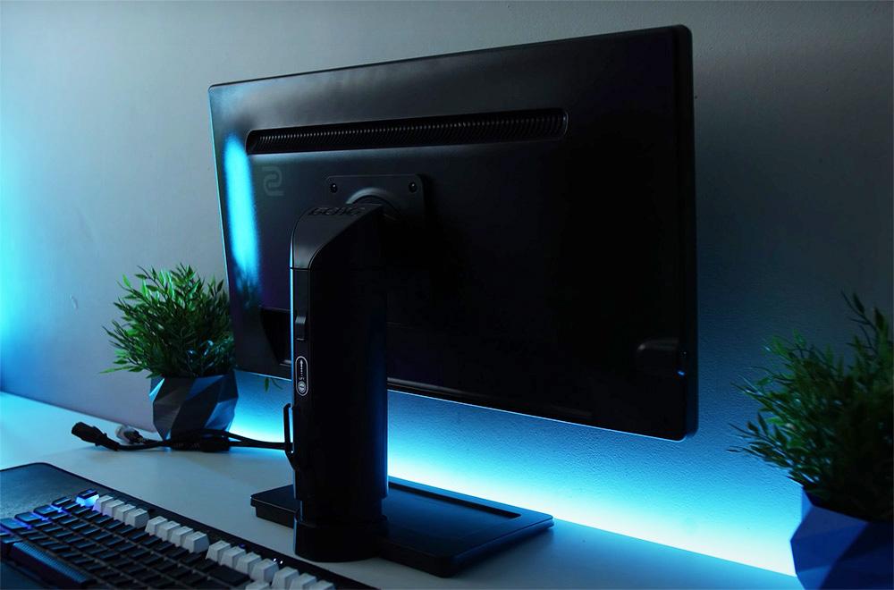 BenQ ZOWIE XL2411P ecran gamer vue arriere pied